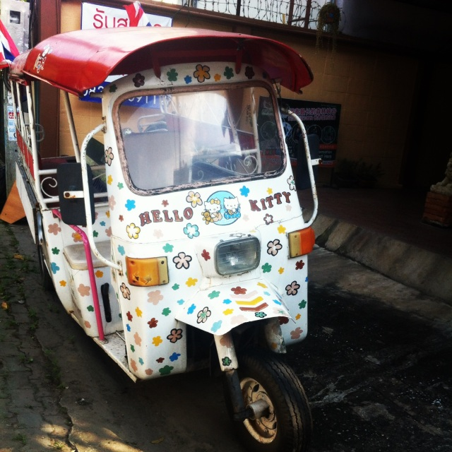 Hello KItty tuktuk