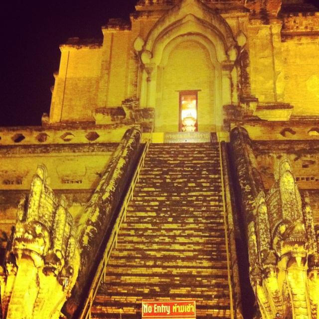 Wat Chedi Luang, мой любимый храм в Чианг Мае