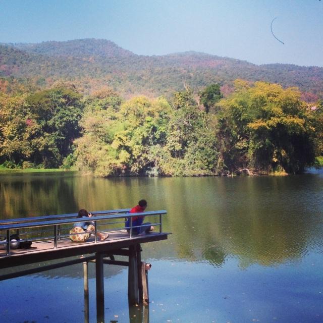 Парк с озером при Chiang Mai University